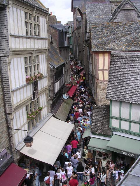 crowded Grand Rue